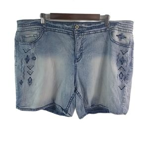 FG 24W Distressed Tribal Jeans Shorts